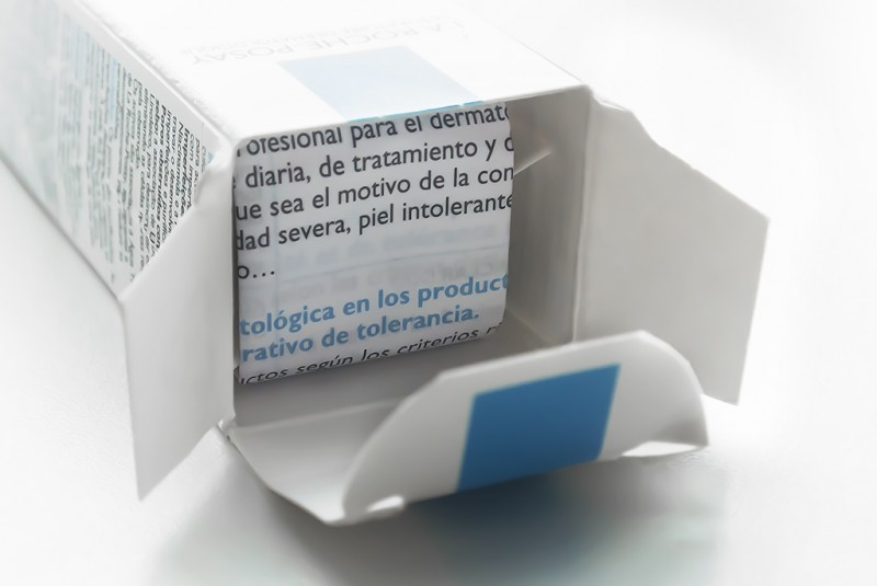 La Roche Posay Effaclar Duo inside Box