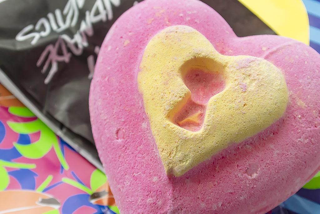 Lush Valentine's Day Love Locket Bath Ballistic Bomb