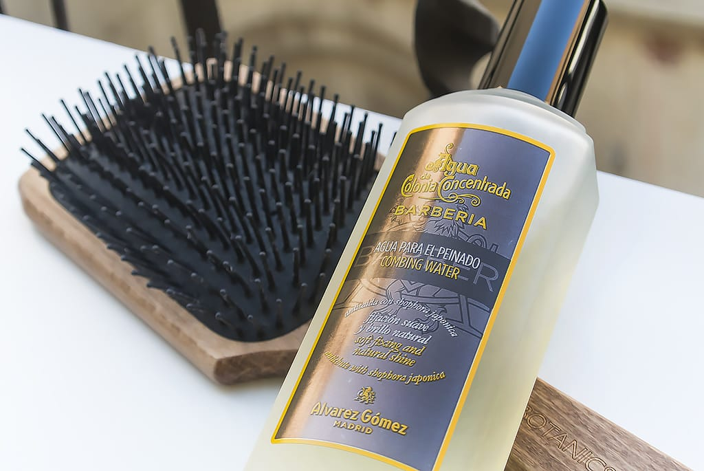 Alvarez Gomez Agua de Colonia Concentrada Combing Water Agua Para el Peinado with Brush