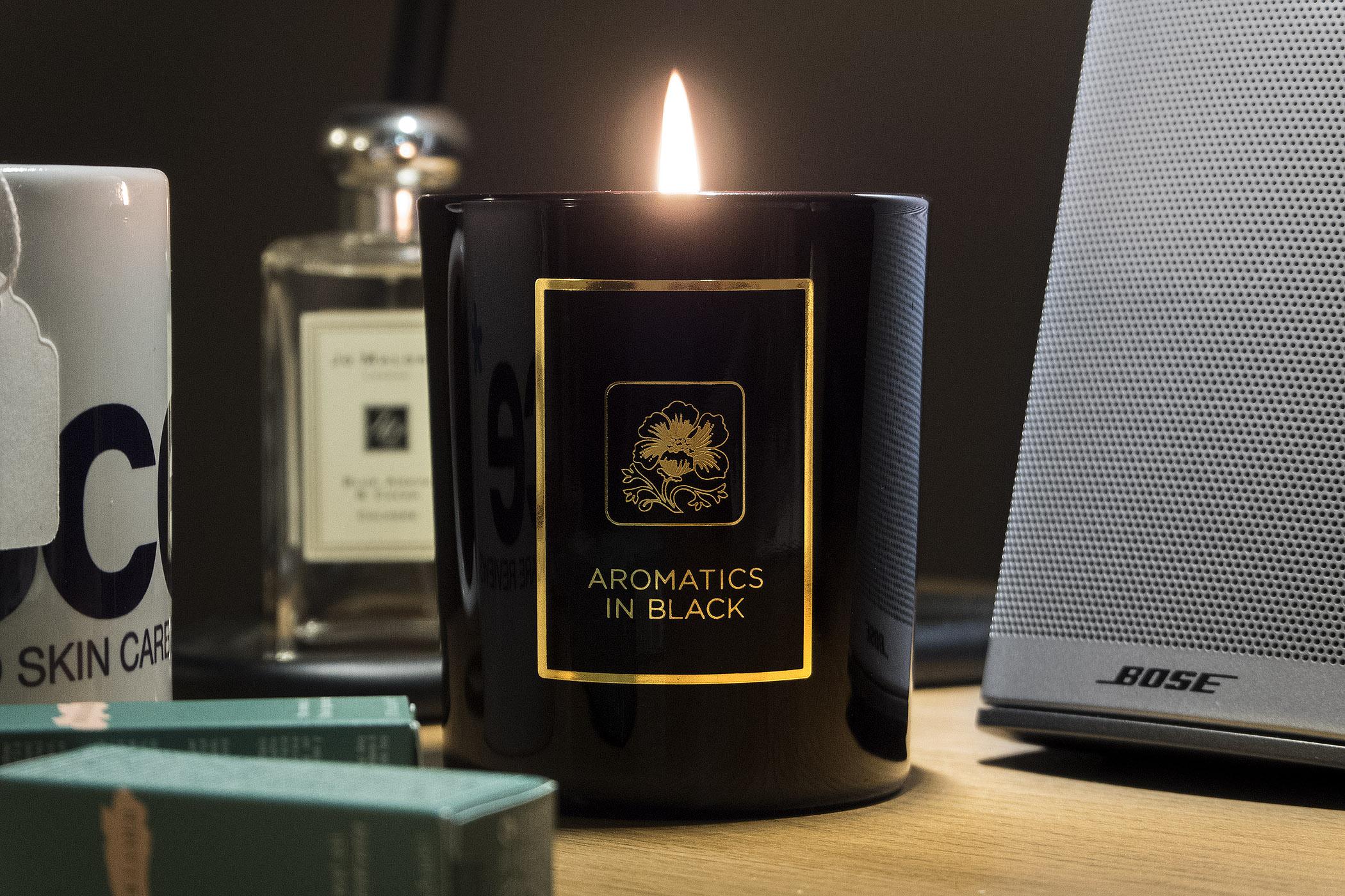 NEW Clinique Aromatics in Black Candle