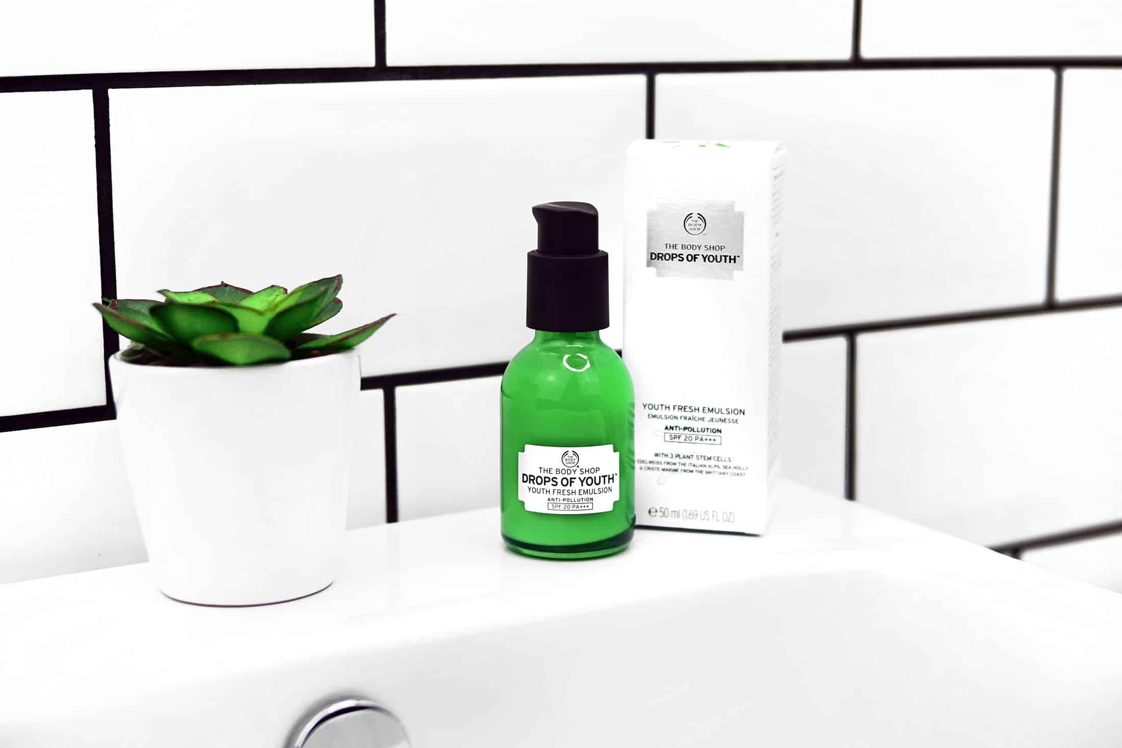 The Body Shop Drops of Youth Fresh Emulsion
